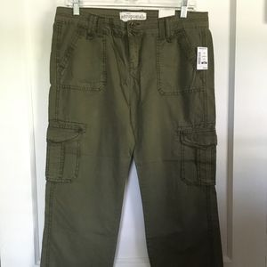 Aeropostale Olive Green Cropped Cargo Pants, 9/10